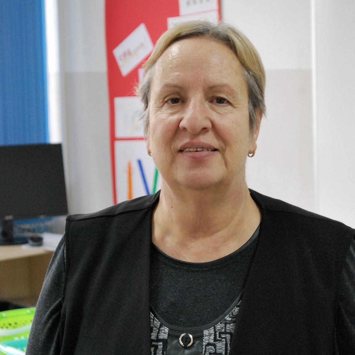 Рени Момчева